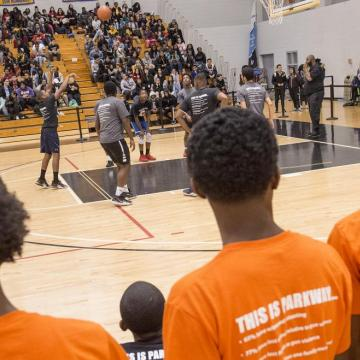 Parkway Students play Basketball with Philadelphia Police