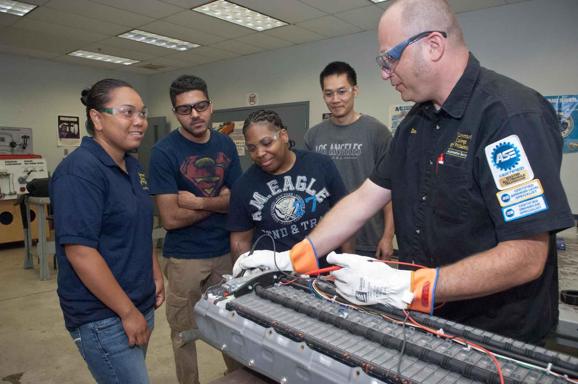 Automotive Scan Tool >> Automotive Technology | Community College of Philadelphia