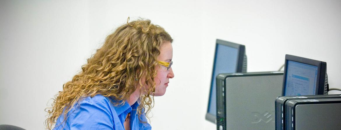Student in computer lab at CCP.